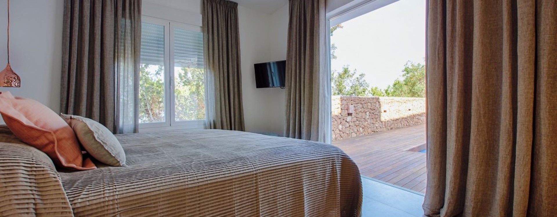 Villa Cala Salada Ibiza for rent